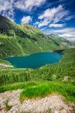 Charca maravillosa en las montañas de Tatra en la salida del sol Fotografía de archivo libre de regalías