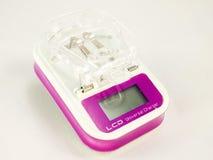Chardger universale della batteria con l'esposizione dell'affissione a cristalli liquidi Immagine Stock Libera da Diritti
