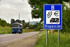 Charge de kilomètre de Viapass de signe pour des camions Photographie stock libre de droits