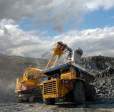 Charge de minerai de fer Photo stock