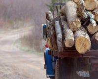 Chargement de bois Photographie stock libre de droits