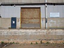 Chargement hors d'usage d'usine de véhicule Photographie stock