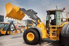 Chargeur de frontal diesel jaune images stock