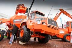 Chargeur de frontal diesel orange photo libre de droits