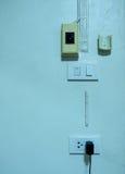 Chargeur de prise avec la batterie Image stock