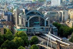 Charing пересекает станцию на мост над Темзой london Великобритания Стоковая Фотография RF