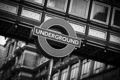 Charing Cross, Londres, Reino Unido, o 7 de fevereiro de 2019, sinal subterrâneo de Londres imagens de stock