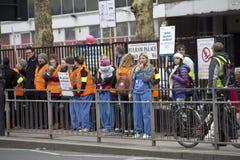 Charing korsar sjukhuset, London, UK 12th Januari 2016 royaltyfri foto
