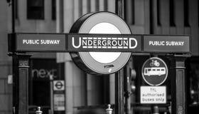 Charing London för underjordisk station kors - LONDON - STORBRITANNIEN - SEPTEMBER 19, 2016 Arkivbild