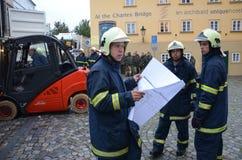 Chariot élévateur au centre de Prague image stock