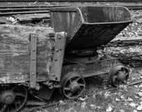 Chariot antique de charbon Photographie stock