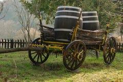 Chariot antique pour transporter des marchandises images libres de droits