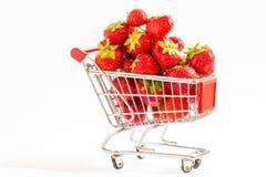 Chariot avec des fraises Image libre de droits