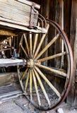 Chariot dans le garage de ville fantôme Image libre de droits