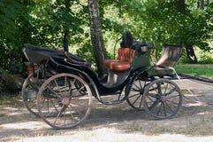 Chariot dans les bois images libres de droits
