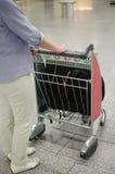 Chariot de bagage d'aéroport Photographie stock libre de droits