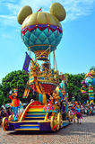 Chariot de ballon de Mickey sur le défilé de Disney Photo libre de droits