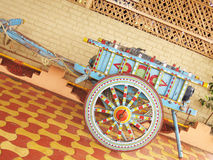 Chariot de boeuf peint photo stock