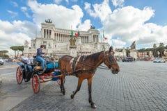 Chariot de cheval à Rome Photographie stock libre de droits