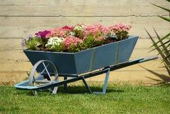 Chariot de fleurs Image libre de droits