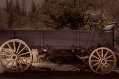 Chariot de la Californie Colombie dans une vieille ville occidentale de fièvre de l'or photographie stock libre de droits