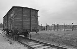 Chariot de rail chez Birkenau images libres de droits