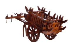 Chariot en bois d'isolement sur le fond blanc Images libres de droits