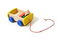 Chariot en bois de jouet Photographie stock libre de droits