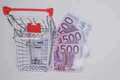 Chariot et euros vides à achats Photographie stock