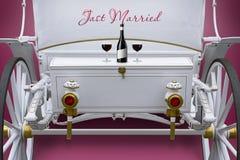 Chariot exclusif de mariage de blanc pour des amants Photographie stock libre de droits