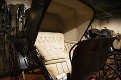 Chariot hippomobile de phaéton de 1898 dames photos libres de droits