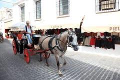 Chariot piloté par cheval à Mijas, Espagne Photos libres de droits