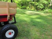 Chariot rouge et beige Photo stock