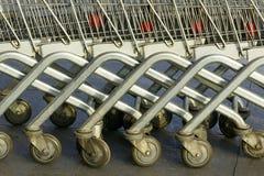 Chariots à supermarché Photographie stock libre de droits