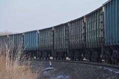 Chariots d'un train de fret photos stock