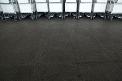 Chariots de bagage Photographie stock libre de droits