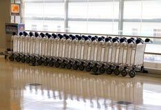 Chariots de bagages Photos libres de droits