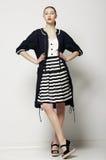 Charisme. Femme Ultrafashionable indépendante dans des vêtements élégants. Futurisme photographie stock libre de droits