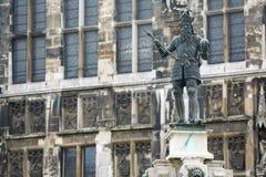 Charlemagne Statue in Akwizgran-stadscentrum royalty-vrije stock fotografie
