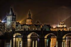 Charles-Brücke in der Nacht Stockfoto