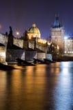Charles-Brücke in Prag Stockfotos