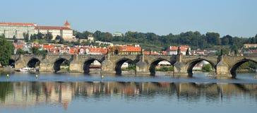 Charles-Brücke in Prag Stockbilder