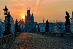 Charles-Brücken-Prag-Sonnenaufgang Lizenzfreies Stockbild