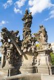 Charles-Brückenstatuen in Prag Die Jungfrau mit Bernhardiner durch Matthias Wenzel Jackel Lizenzfreies Stockbild