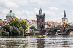 Charles Bridge à Prague photos stock