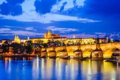 Charles Bridge, het Kasteel van Praag, Tsjechische Republiek Royalty-vrije Stock Afbeelding
