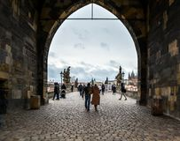 Charles Bridge i Prague, Czeh republik Arkivfoto