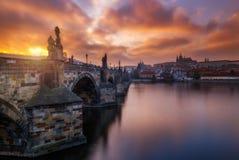 Charles Bridge (a K A Karluv mest, stenbro, Kamenny mest, royaltyfri bild