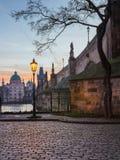 Charles Bridge majestoso durante o nascer do sol, Praga, checa Fotografia de Stock Royalty Free
