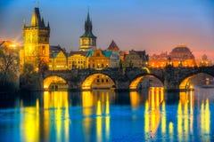 Charles Bridge och Mala Strana, Prague, Tjeckien Fotografering för Bildbyråer